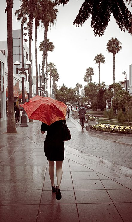 red umbrella The 5 Most Common Questions about Street Photography (and the answers)