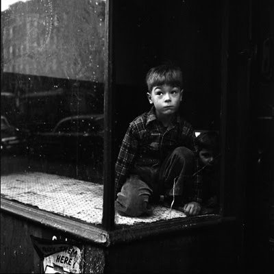 curious boy vivian maier1 Vivian Maier   The Unknown Master Street Photographer