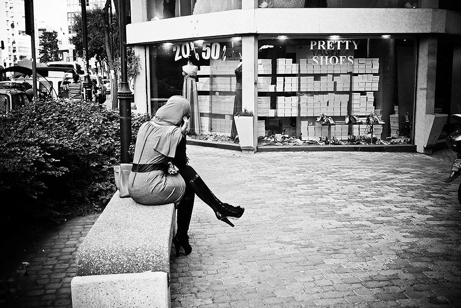 pretty shoes Is Manual Focus or Autofocus Better for Street Photography?
