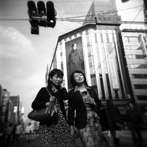 8 allure 17 v2 Featured Street Photographer: Paolo Patrizi, on the Streets of Ginza with a Toy Camera and Cosmopolitan Japanese Women