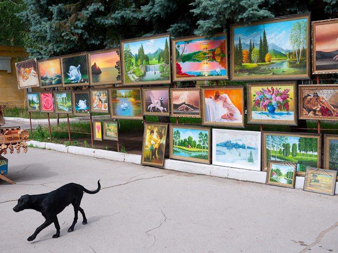 02 Vivid and Vibrant: Street Photography in Chişinău, Moldova by Caspar Claasen