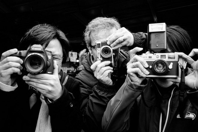 Seattle shooters photo by Jill Maguire 660x439 Eric Kim Street Photography Workshops