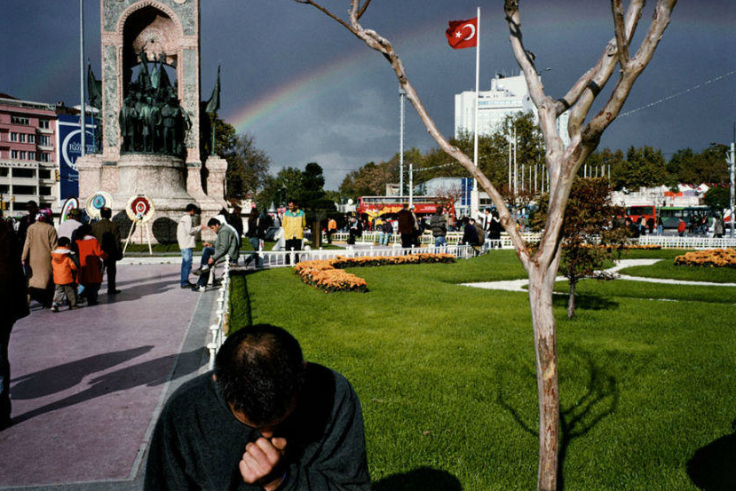 alex webb istanbul 10 Things Alex Webb Can Teach You About Street Photography