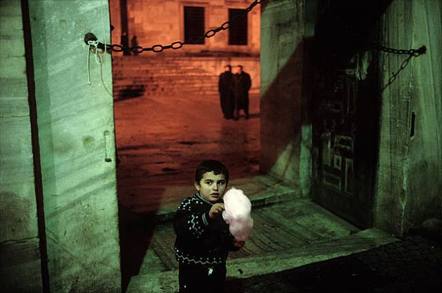 istanbul alex webb 10 Things Alex Webb Can Teach You About Street Photography