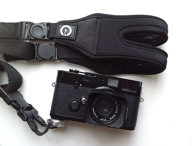 CSLR Glidestrap 1 Review of the CSLR Glide Strap for Street Photography