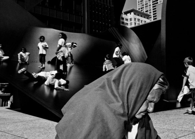 P81131491 670x478 Capturing The Disappearing Faces of Chicago: Interview with Brian Soko, Street Photographer