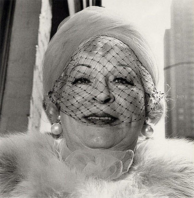 woman veil 657x670 11 Lessons Diane Arbus Can Teach You About Street Photography