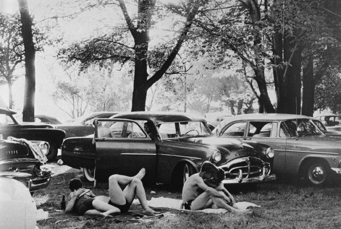 Robert Frank picnic 670x450 Robert Franks The Americans: Timeless Lessons Street Photographers Can Learn