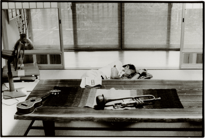 2013 02 08 1604324232 660x447 The Nostalgic Black & White Photos of Japan: Interview with Street Photographer Junku Nishimura