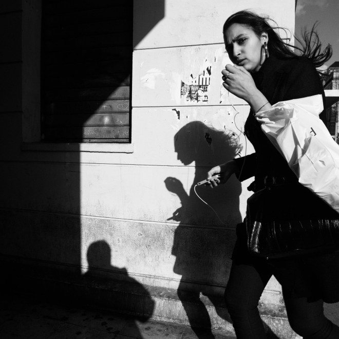 861421 410975998996464 649273357 o 660x660 Capturing the Brilliant Light of Marseille: Street Photography by Yves Vernin