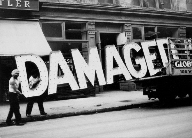 evans damaged 660x475 Timeless Insights You Can Learn From the History of Street Photography