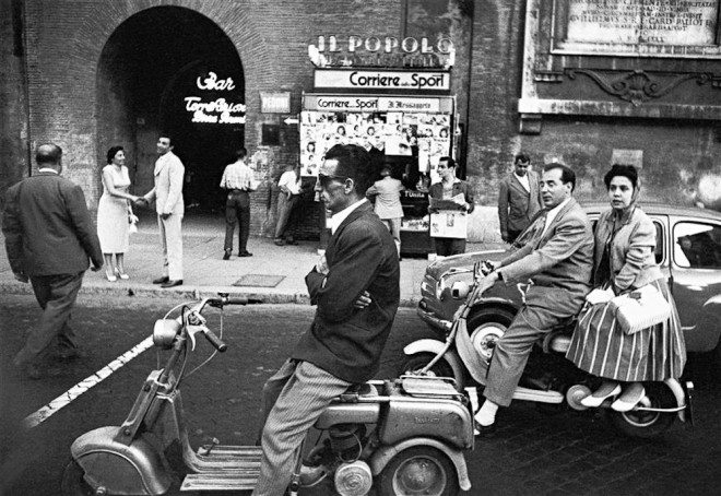 klein italy 660x454 10 Lessons William Klein Has Taught Me About Street Photography