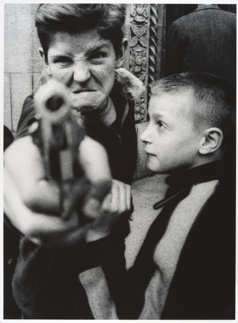 klein kid gun 488x660 10 Lessons William Klein Has Taught Me About Street Photography