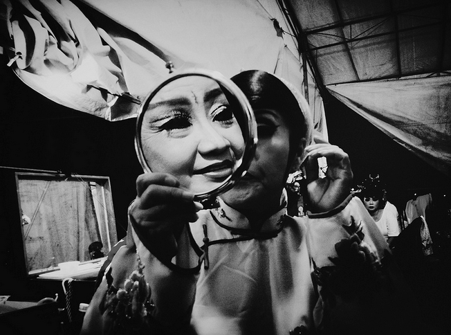 mirror Photography is Democratic: Interview with Aik Beng Chia (ABC) From Singapore