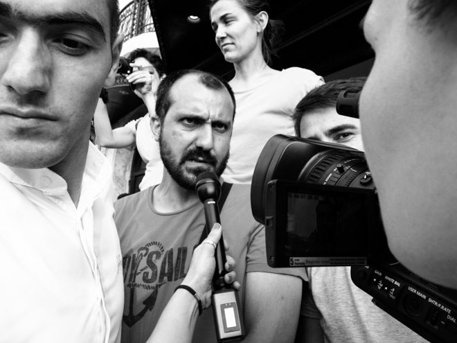 0049094 The Art of Being Aware in the Streets: Interview with Oguz Ozkan from Istanbul