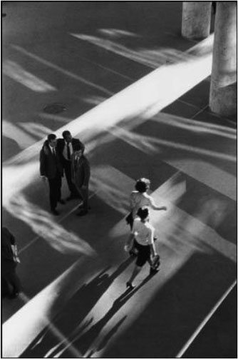 rene burri Street Photography Composition Lesson #3: Diagonals