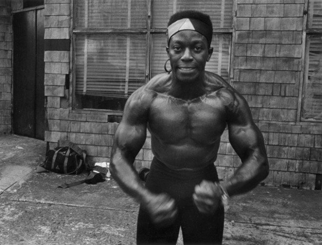 019 Muscle man 660x501 Interview with Harvey Stein on His New Book: Harlem Street Portraits