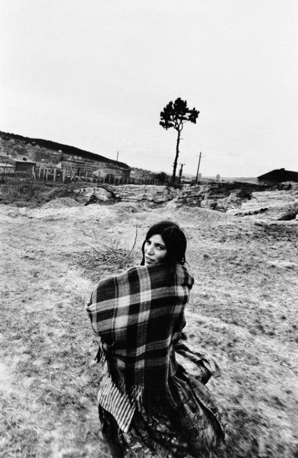 PAR150395 429x660 Street Photography Book Review: Gypsies by Josef Koudelka
