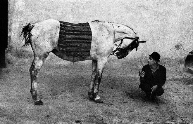 PAR65550 660x425 Street Photography Book Review: Gypsies by Josef Koudelka