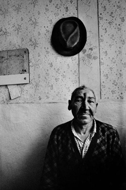 PAR65761 440x660 Street Photography Book Review: Gypsies by Josef Koudelka