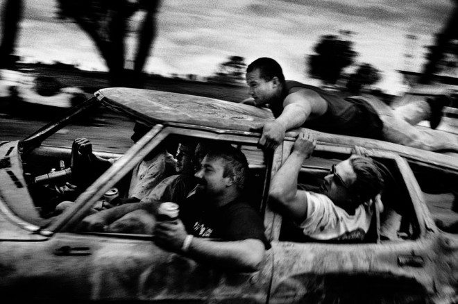 LON57328 660x438 12 Lessons Trent Parke Has Taught Me About Street Photography
