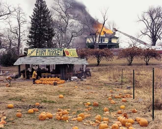 joel sternfeld pumpkin 660x528 6 Lessons Joel Sternfeld Has Taught Me About Street Photography
