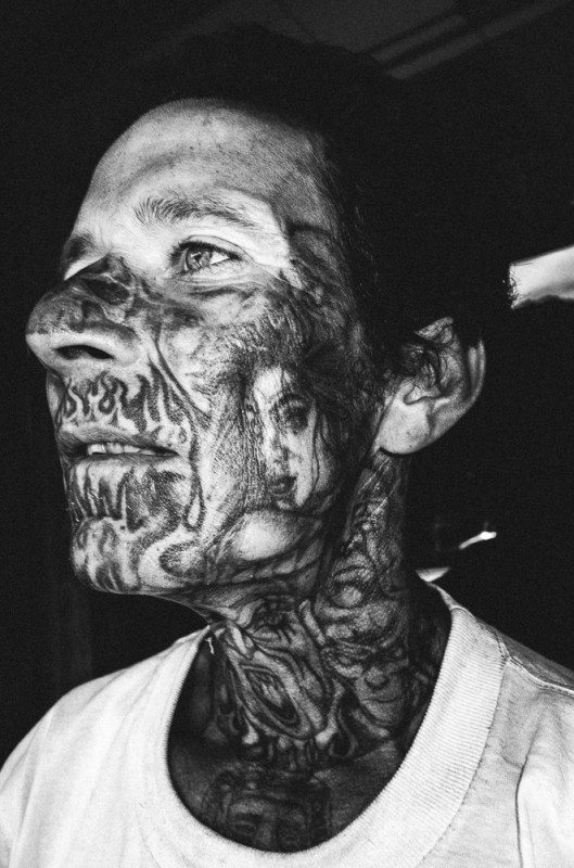 R0062867 529x800 Street Photography Contact Sheets #1: Face Tattoo, Downtown LA 2014