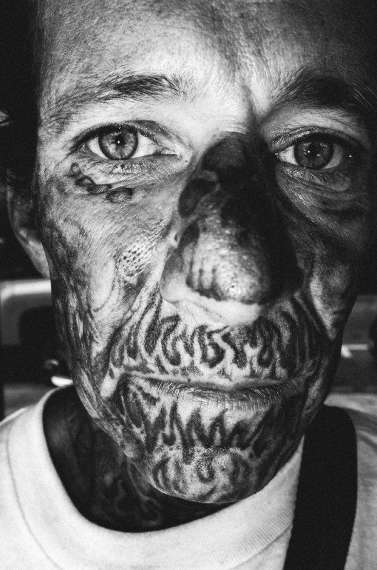 R0062891 529x800 Street Photography Contact Sheets #1: Face Tattoo, Downtown LA 2014