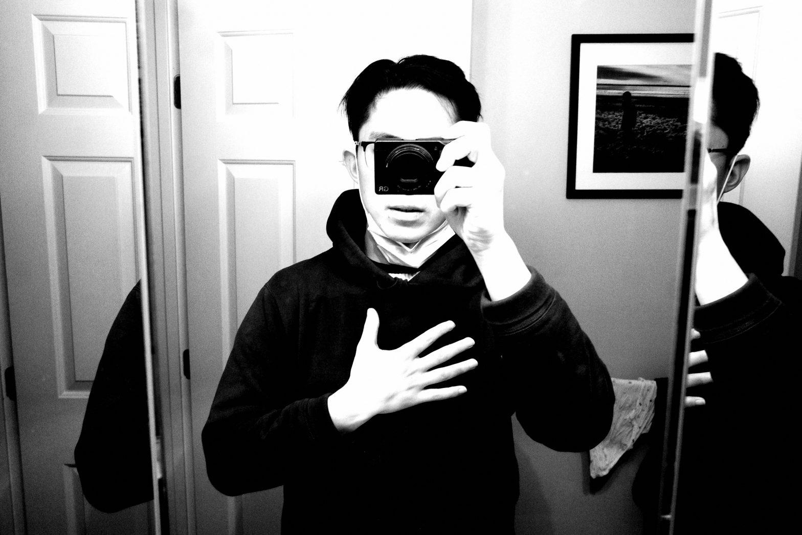 selfie ERIC KIM Ricoh gr iii